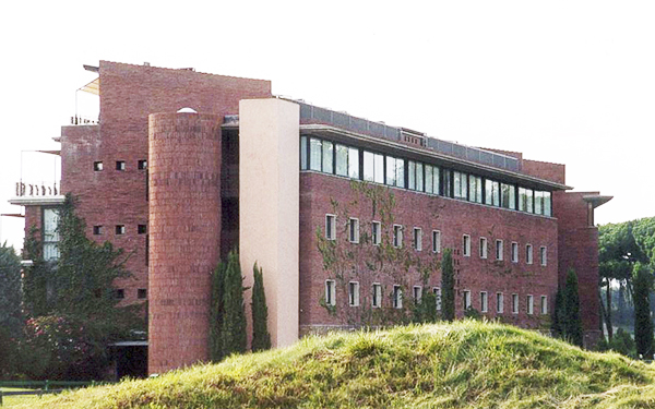 108 viviendas en el empord golf club girona abjm oficina de arquitectura - Oficina de extranjeria girona ...